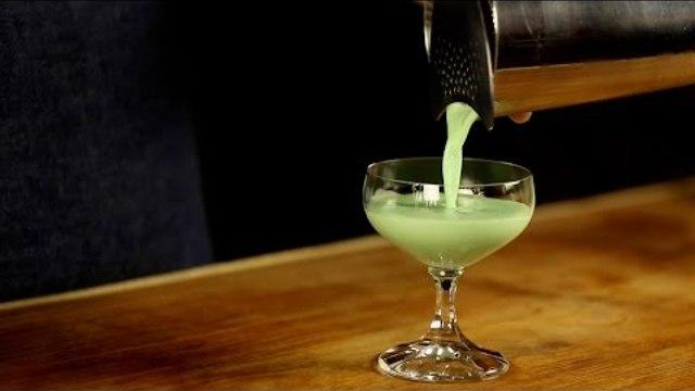 Grasshopper Cocktail Recipe - Liquor.com