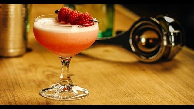 Clover Club Cocktail Recipe - Liquor.com