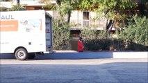 Piéger un voleur de colis dans un camion de livraison... Blague enorme
