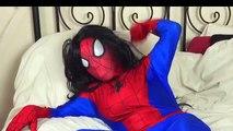 - Человек-Паук Беременных? Человек-паук против Человек-паук против человека-паука Супергерои детские смешные