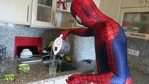 Человек-паук против Венома в реальной жизни Супергеройское кино