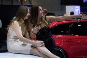 Les plus belles Hôtesses de charme  Salon de l'auto Genève  2017