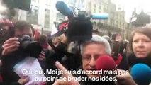 Quand Jean-Luc Mélenchon croise un manifestant favorable à l'union de la gauche