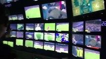 Victoire du Barça vécue à l'intérieur du car régie de la TV espagnole - Barcelone-PSG