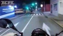 Ce motard trop content d'avoir que des feux verts va mal finir... Crash