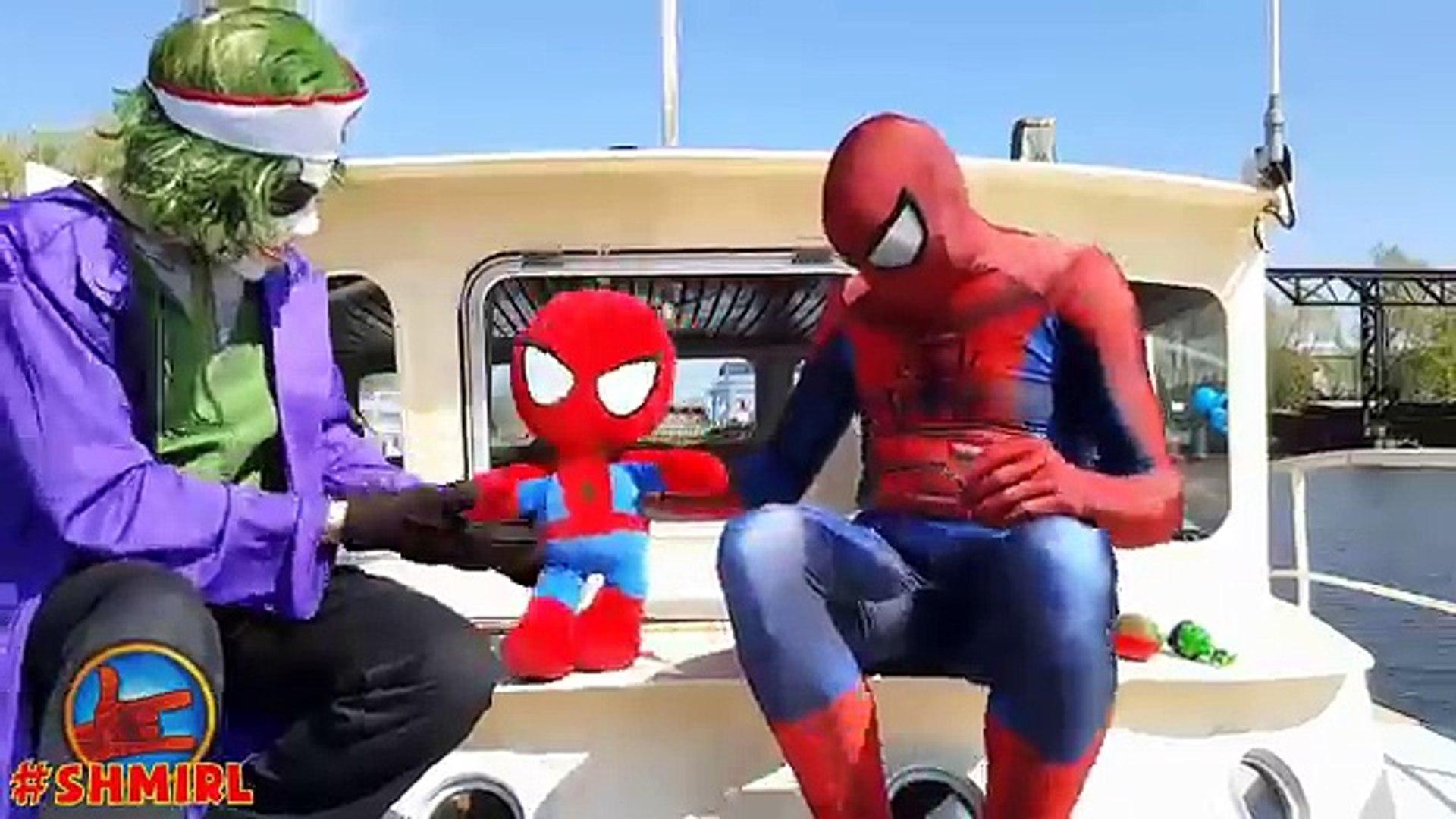 Spiderman Sirena vs Joker Médico Spiderbaby Sirena y el Médico Película de Superhéroes en la Real