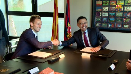 Rakitic says he is really proud to continue at Barça until 2021