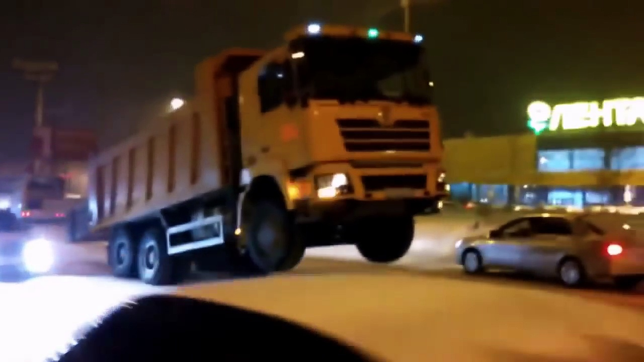 IDIOTS On Trucks 2 part – Compilation Videos Overloaded Trucks 2017 – Fails Trucks – Tipping Truck