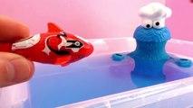 Play Doh Krümelmonster badet im Tinti-Wasser und will Robo-Fische fressen?! Witzige Demo