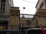 Hollanda Konsolosluğu çatısına Türk Bayrağı çekildi