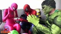 Человек-паук, замороженные Эльза и Анна и розовый Человек-паук против Призрака! Забавный супергерой в реальной жизни :