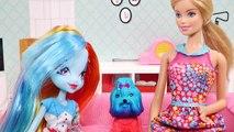 Barbie & MLP Rainbow Dash make Yummy Braided Rainbow Bagels | Fun Barbie Videos by DCTC -