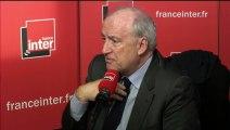 Hubert Védrine répond aux questions de Patrick Cohen