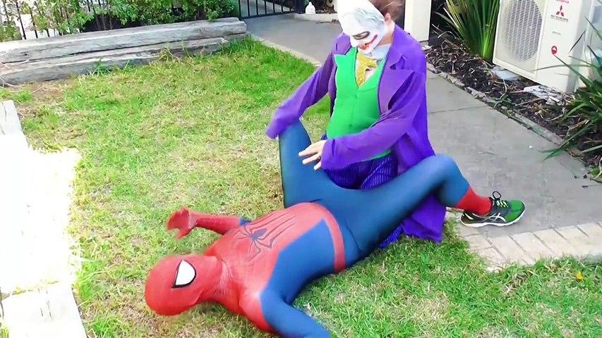 Frozen Elsa POOP PRANK! w/ Spiderman vs Bad Baby Joker Girl Balloons - Superheroes in Real