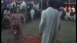 Funny dance in Shaadi
