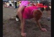 Yamapi qui fait des pompes