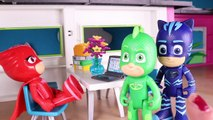 ⚡ PJ MASKS TOYS IN ENGLISH ⚡ PJ Masks go to the Beach _ PJ Masks Toys English-nJZLjIlWQwA