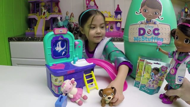 HUGE SURPRISE EGG DOC MCSTUFFINS + Surprise Toys + Play-Doh Doc McStuffins Kid-Friendly To