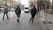 Gaziantep Emniyet Müdürlüğü Önünde Hareketli Saatler