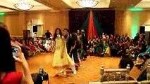 شادی پر پاکستانی لڑکی کا ایسا ڈانس ....! هر کوی