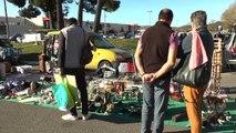 Digne-les-Bains : Ambiance conviviale au vide grenier du dimanche