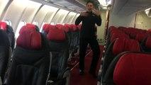 Ce steward d'Air Asia danse mieux que Britney Spears