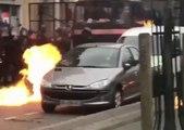 Des CRS reçoivent des cocktails molotov à la manifestation contre les violences policières
