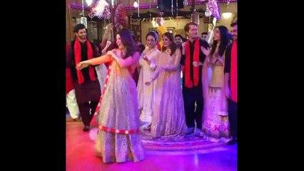 Kubra khan dance