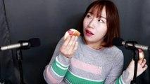 [Eating ASMR] Strawberry Omelet and Fresh Strawberry MilkㅣSound of Cream and Strawberry seed [직접먹는 ASMR] 딸기오믈렛과 생딸기우유
