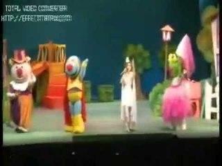 """Jugar por jugar - Cantando con Adriana """"Fiesta de disfraces"""" en vivo"""