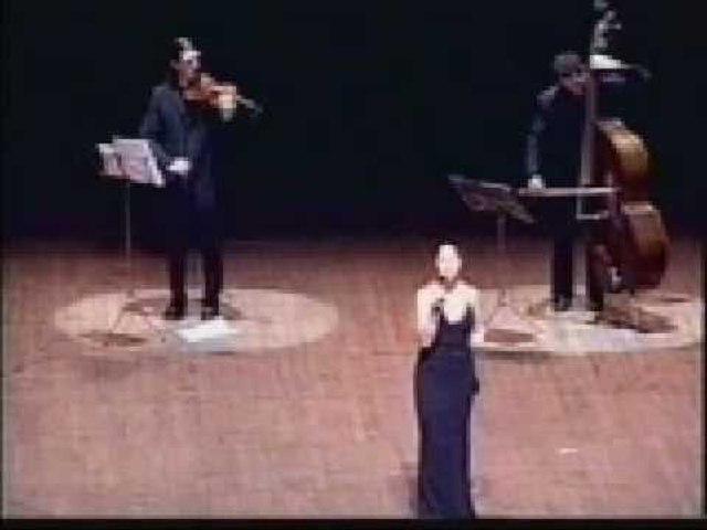 Claudia Armani - Presentaciones  Florianopolis 2003