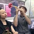 Cet objet vous permet de dormir tranquille dans le metro