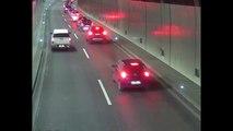 Voilà ce qui arrive quand un conducteur déboite sans regarder dans un tunnel