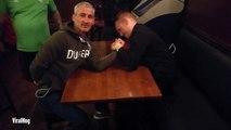 Il se brise le bras en faisant un bras de fer dans un pub