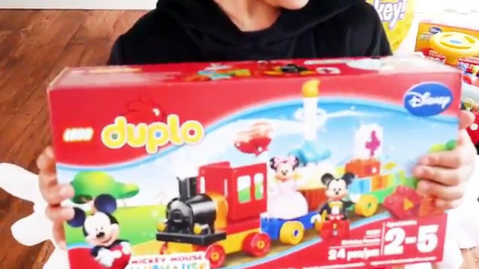 Гигантское яйцо сюрприз открываем клуб Микки Мауса Минни игрушки Дисней младший видео супер гигантск