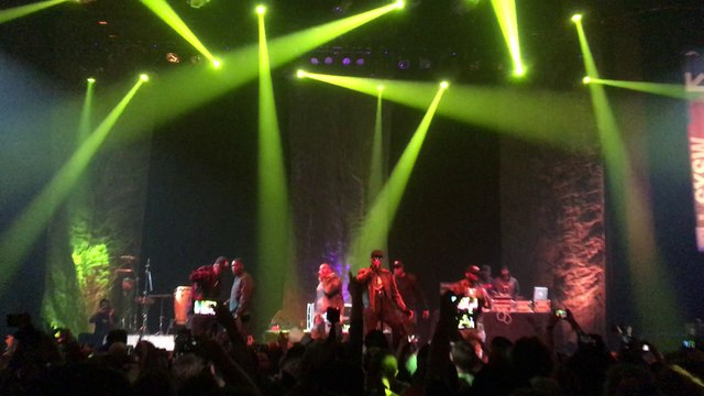 """Wu-Tang Clan performs """"Wu-Tang Clan Ain't Nuthing Ta F' Wit"""" LIVE"""