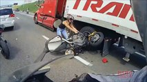 AMAZING Motorcycle ACCIDENT Bike VS Truck Lane Splitting CRASH Biker HITS Semi 18 Wheeler FAIL 2016