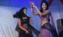 Tukur Tukur dekhte ho kya on girls dance