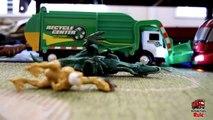 Garbage Truck Videos For Children l TOY TRUCK BATTLE Jumping Ramps l Garbage Trucks Rule-SLRJAK7M
