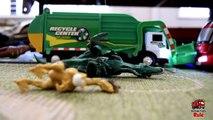 Garbage Truck Videos For Children l TOY TRUCK BATTLE Jumping Ramps l Garbage Trucks Rule-SLRJA