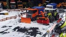 BRUDER toys SNOW tractor crash! Video for kids-_K4ARTWI