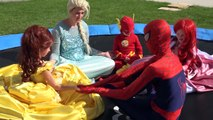 Baby Supergirl kidnapped by Maleficent and Joker!! Disney Princesses vs villains w/ Frozen