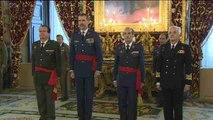 Felipe VI guarda un minuto de silencio tras expulsar su pésame a Isabel II