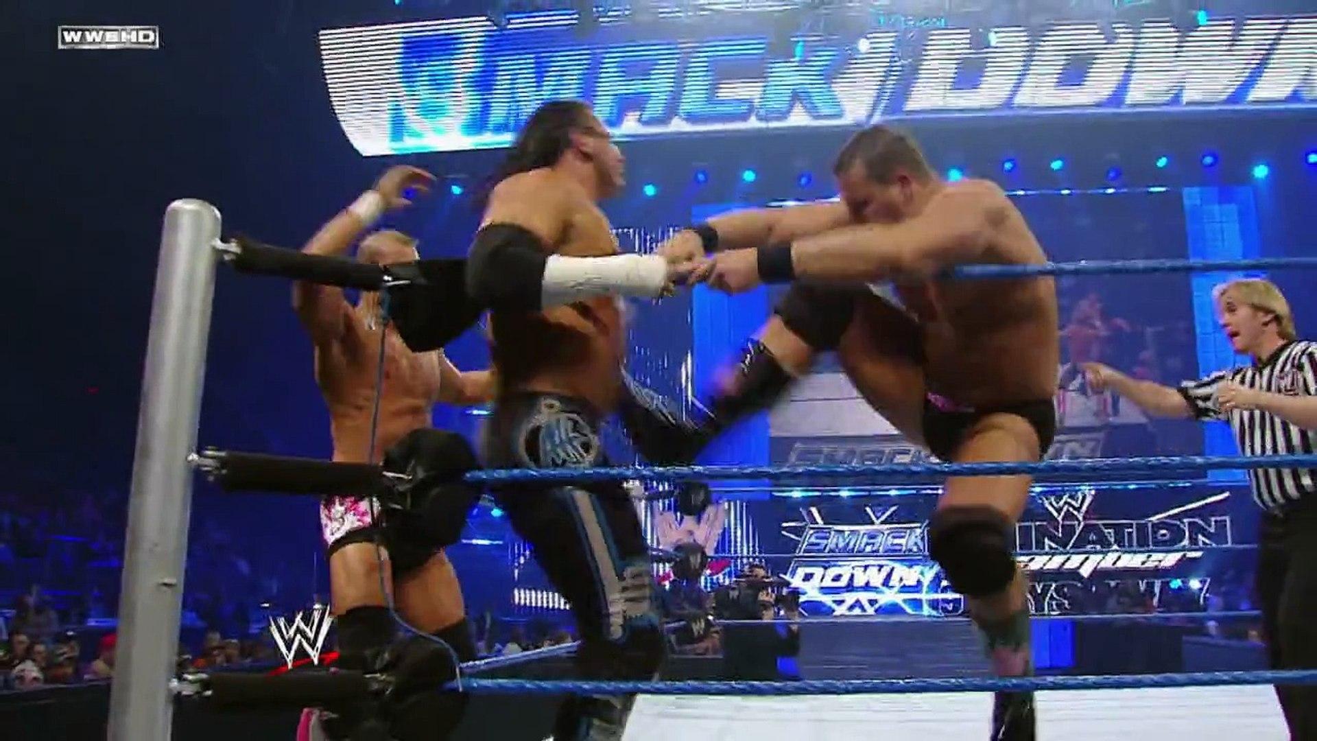 SmackDown  The Great Khali & Matt Hardy vs. The Hart Dynasty
