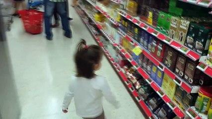 Gabriela va al supermercado | Gabriela goes to the supermarket | Diario de Gabri y Eli
