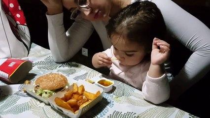 Primer McDonald's de Gabriela | McDonald's first Gabriela | Diario de Gabri y Eli