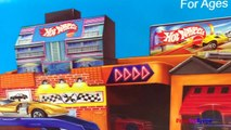 HOTWHEELS STO N GO PLAYSET WITH CARS PORTABLE VINTAGE GARAGES PARKING SERVICE CENTER GAS S