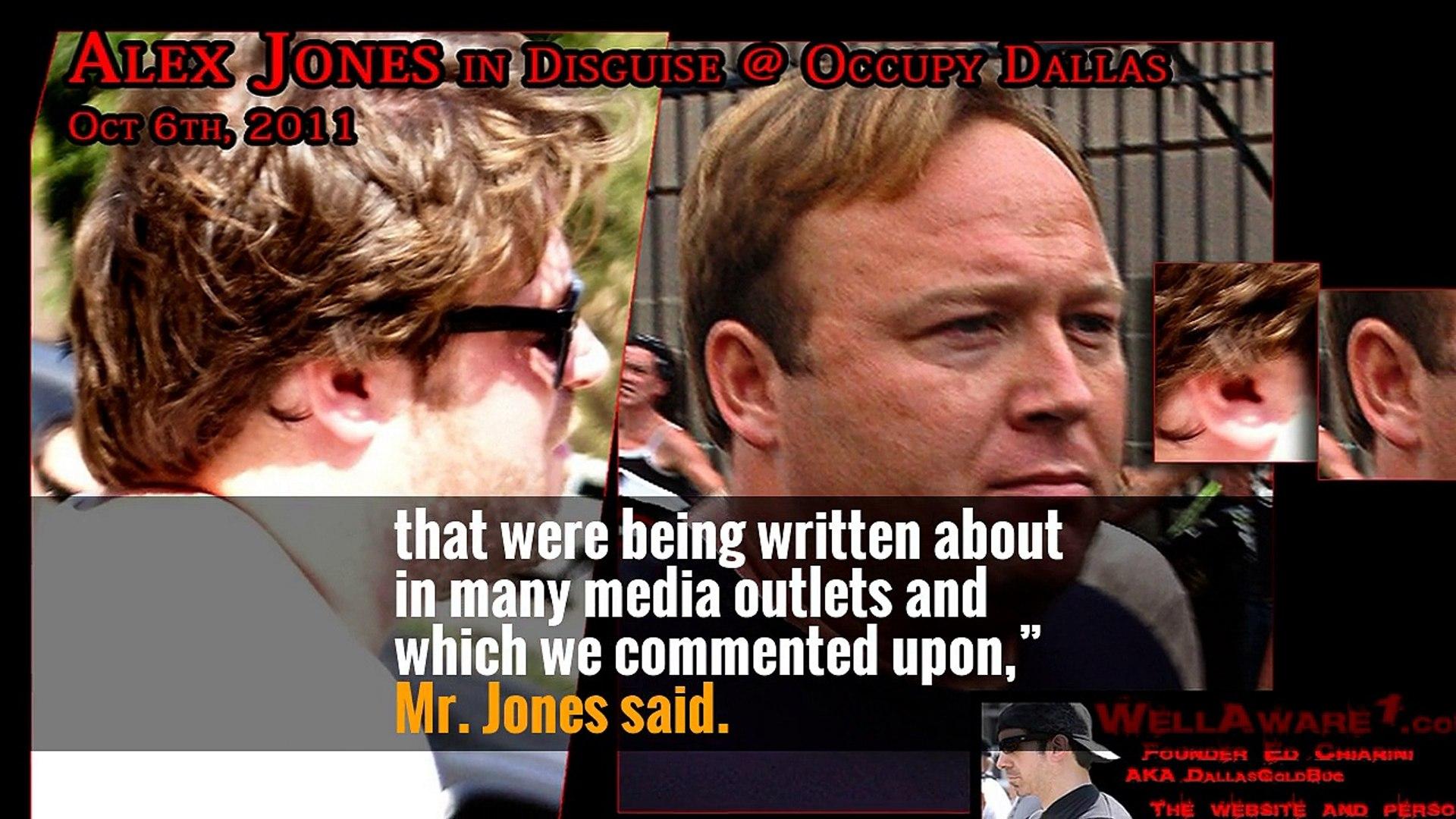 Alex Jones Apologizes for Promoting 'Pizzagate' Hoax -