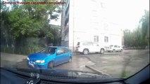 Les accidents de la voiture chez les femmes ✦ Les femmes qui conduisent échouent ✦ la part