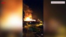 Spectaculaire incendie dans une zone industrielle à Bondy